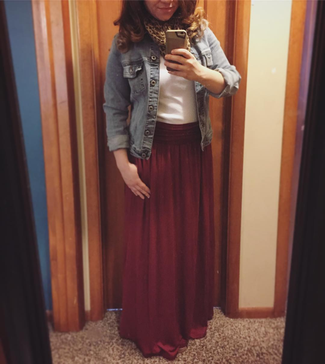 Casual Style: Denim Jacket + Maxi Skirt with Pockets