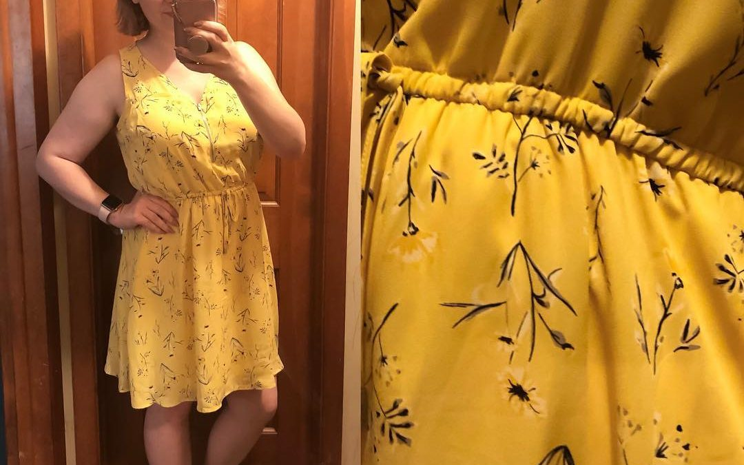 Sunny + summery yellow + nursing friendly ❤️ Happy Thursday